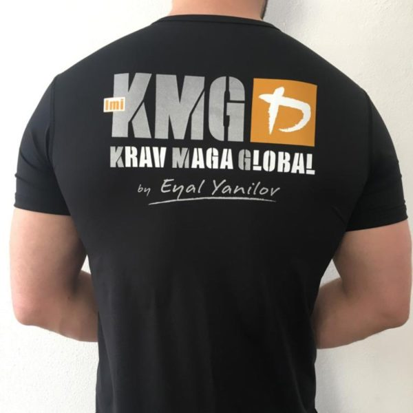 Das offizielle KMG Krav Maga T-Shirt aus kühlender Funktionsfaser.